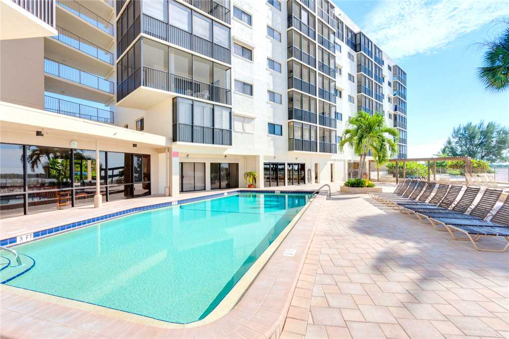 Carlos Pointe 413 2 Bedrooms Gulf Front Elevator Heated Pool Sleeps 6 Condo rental in Carlos Pointe in Fort Myers Beach Florida - #32