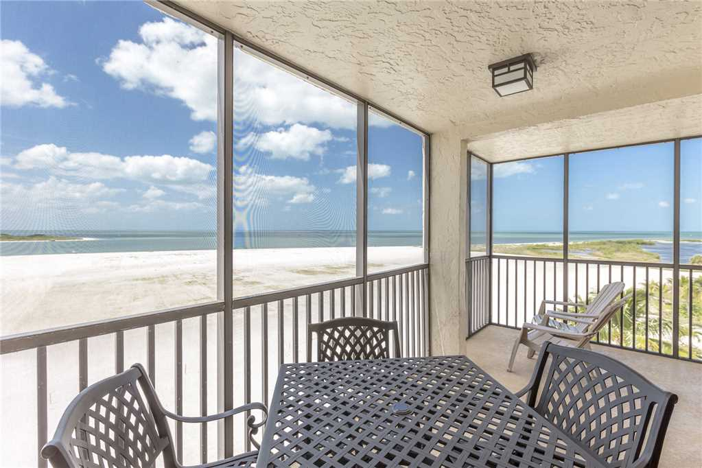 Carlos Pointe 536 2 Bedrooms Gulf Front Elevator Heated Pool Sleeps 6