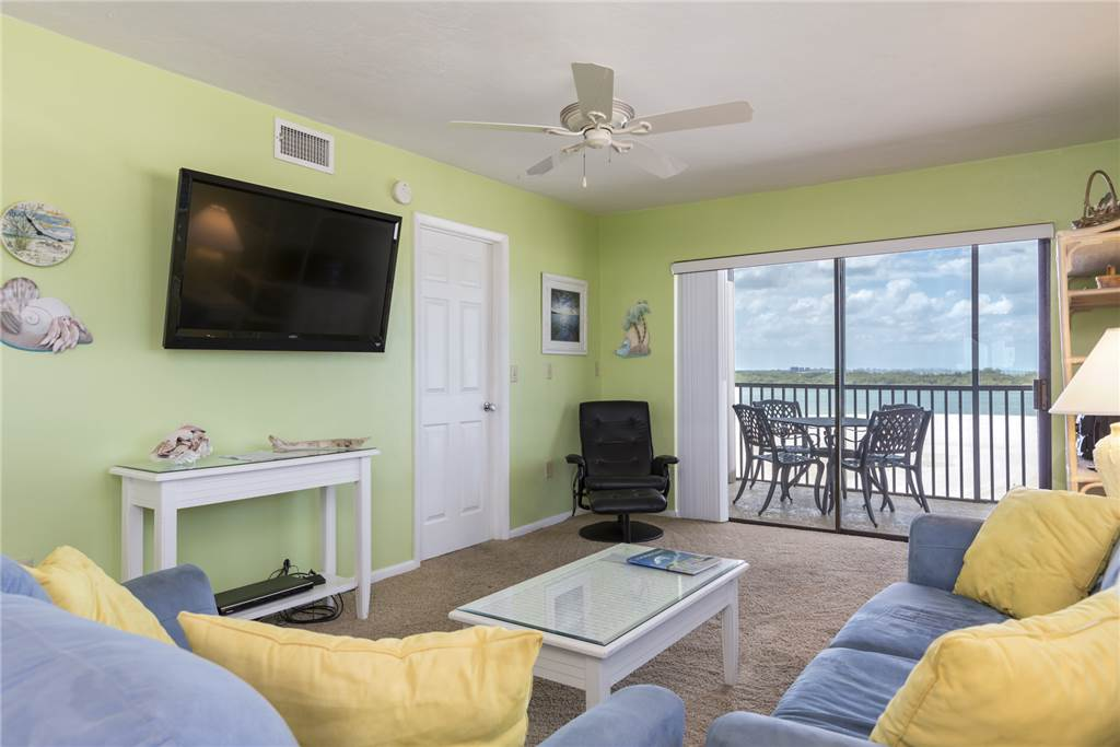 Carlos Pointe 536 2 Bedrooms Gulf Front Elevator Heated Pool Sleeps 6 Condo rental in Carlos Pointe in Fort Myers Beach Florida - #2
