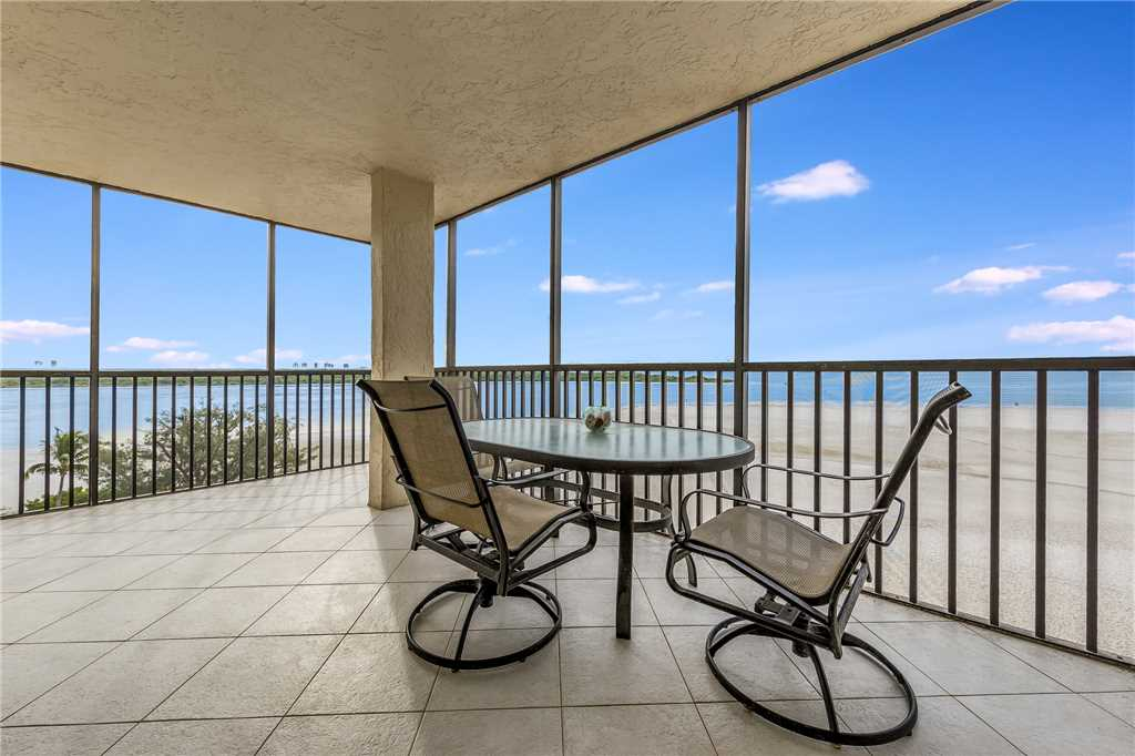Carlos Pointe 611 Elevator 2 Bedrooms Gulf Front  Heated Pool Sleeps 6