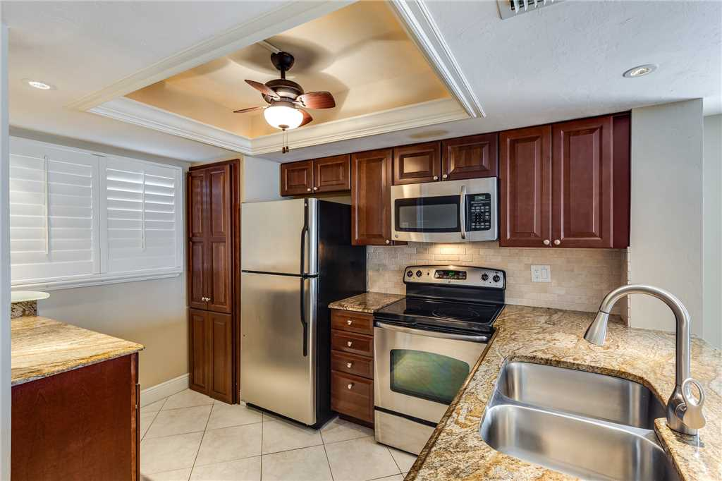 Carlos Pointe 611 Elevator 2 Bedrooms Gulf Front  Heated Pool Sleeps 6 Condo rental in Carlos Pointe in Fort Myers Beach Florida - #11