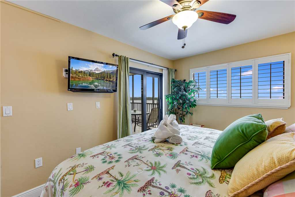 Carlos Pointe 611 Elevator 2 Bedrooms Gulf Front  Heated Pool Sleeps 6 Condo rental in Carlos Pointe in Fort Myers Beach Florida - #13