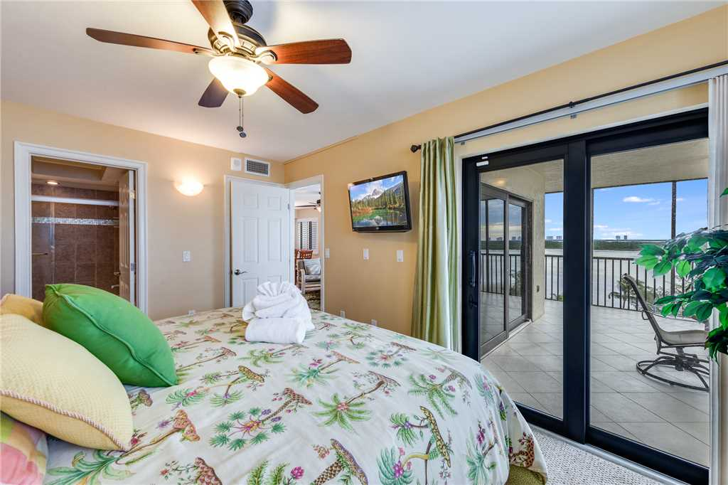 Carlos Pointe 611 Elevator 2 Bedrooms Gulf Front  Heated Pool Sleeps 6 Condo rental in Carlos Pointe in Fort Myers Beach Florida - #14