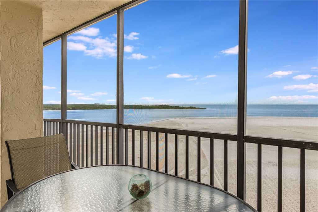 Carlos Pointe 611 Elevator 2 Bedrooms Gulf Front  Heated Pool Sleeps 6 Condo rental in Carlos Pointe in Fort Myers Beach Florida - #22
