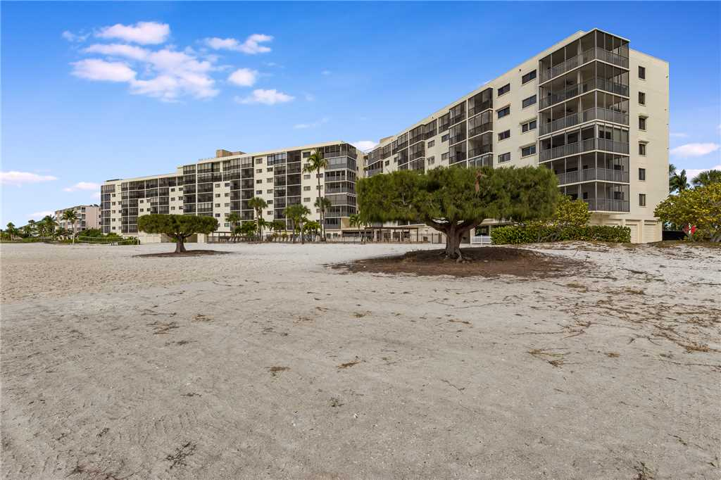 Carlos Pointe 611 Elevator 2 Bedrooms Gulf Front  Heated Pool Sleeps 6 Condo rental in Carlos Pointe in Fort Myers Beach Florida - #29