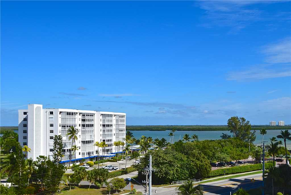 Carlos Pointe 611 Elevator 2 Bedrooms Gulf Front  Heated Pool Sleeps 6 Condo rental in Carlos Pointe in Fort Myers Beach Florida - #32
