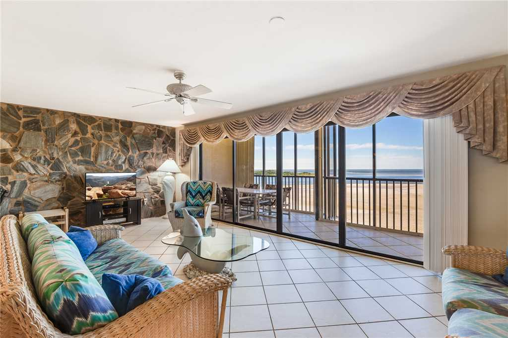 Carlos Pointe PH1 Penthouse 4 Bedrooms Gulf Front Heated Pool Sleeps 10 Condo rental in Carlos Pointe in Fort Myers Beach Florida - #4