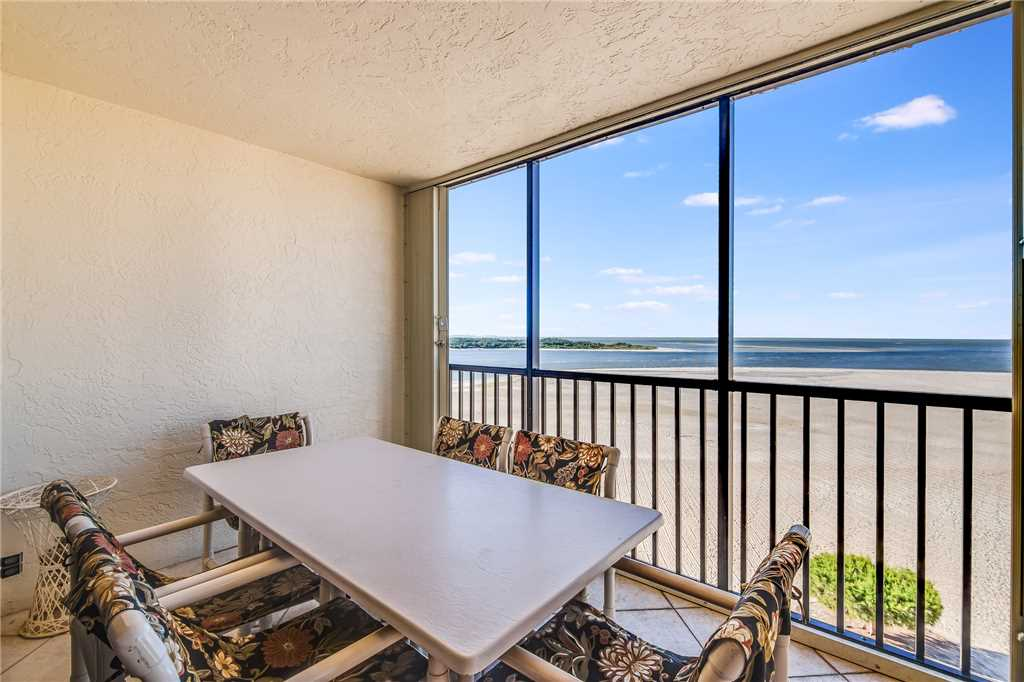 Carlos Pointe PH1 Penthouse 4 Bedrooms Gulf Front Heated Pool Sleeps 10 Condo rental in Carlos Pointe in Fort Myers Beach Florida - #23