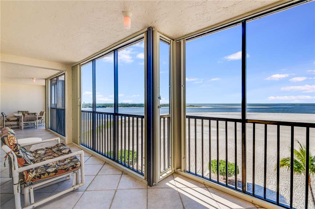 Carlos Pointe PH1 Penthouse 4 Bedrooms Gulf Front Heated Pool Sleeps 10 Condo rental in Carlos Pointe in Fort Myers Beach Florida - #27