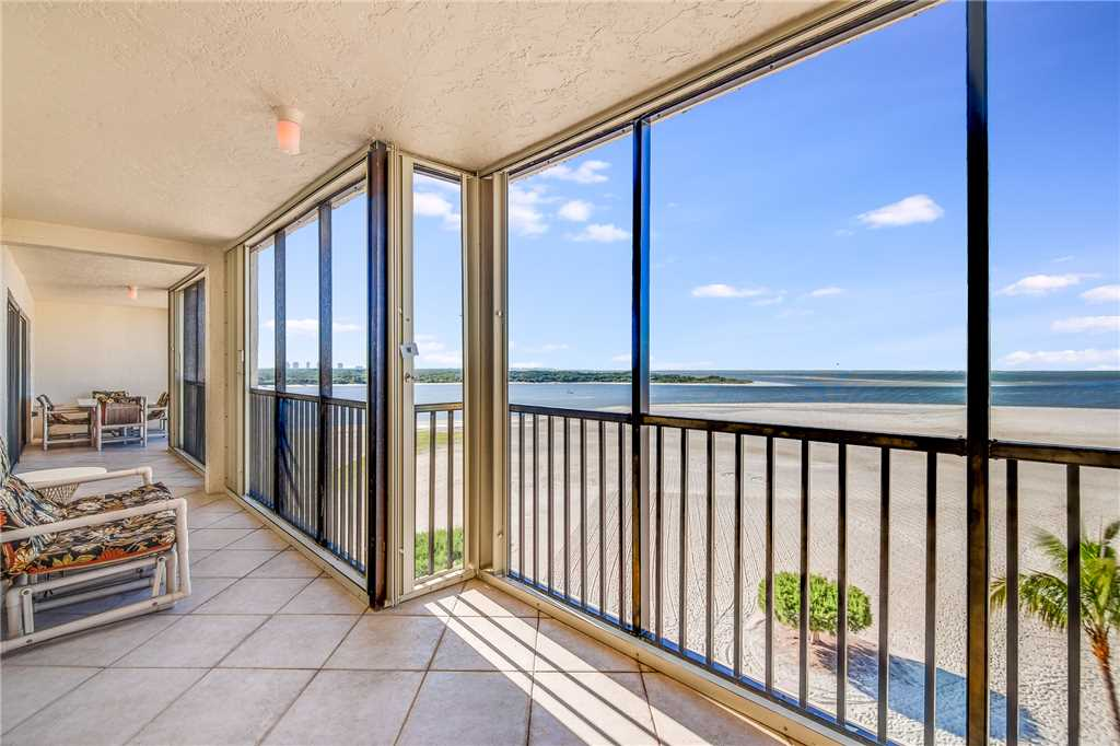 Carlos Pointe PH1 Penthouse 4 Bedrooms Gulf Front Heated Pool Sleeps 10 Condo rental in Carlos Pointe in Fort Myers Beach Florida - #28