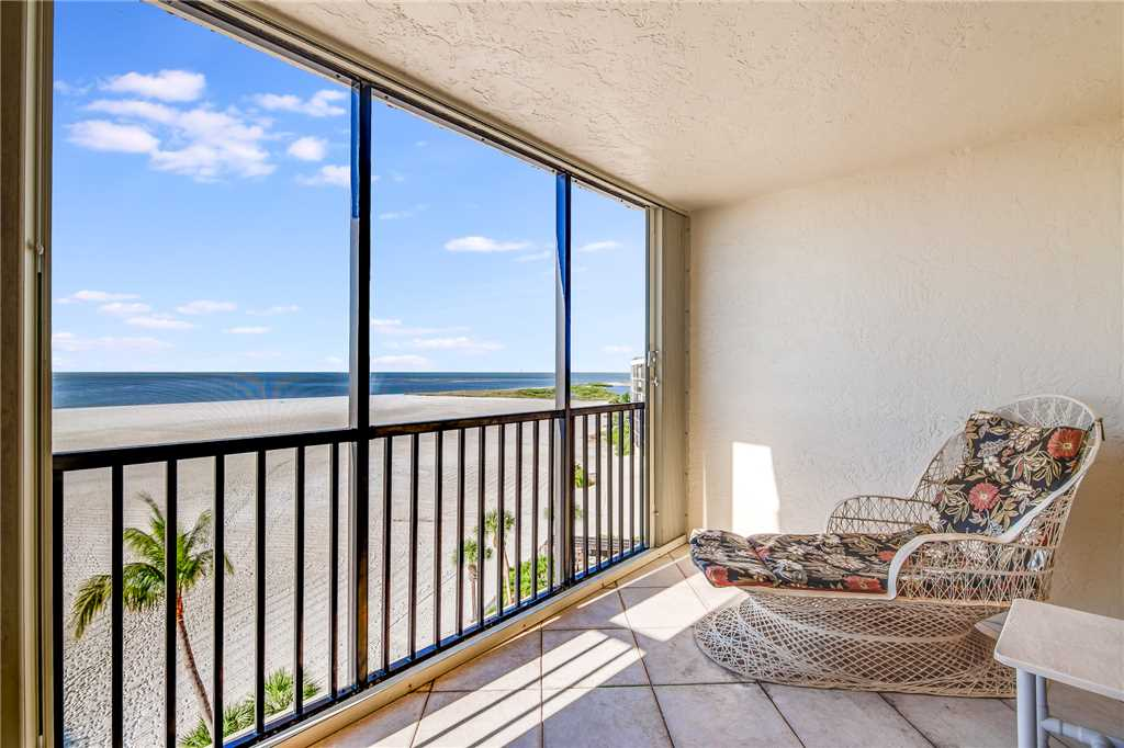 Carlos Pointe PH1 Penthouse 4 Bedrooms Gulf Front Heated Pool Sleeps 10 Condo rental in Carlos Pointe in Fort Myers Beach Florida - #29