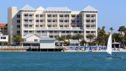 Shephard's Live Entertainment Resort - https://www.beachguide.com/clearwater-beach-vacation-rentals-shephards-live-entertainment-resort--1696-0-20168-5121.jpg?width=185&height=185