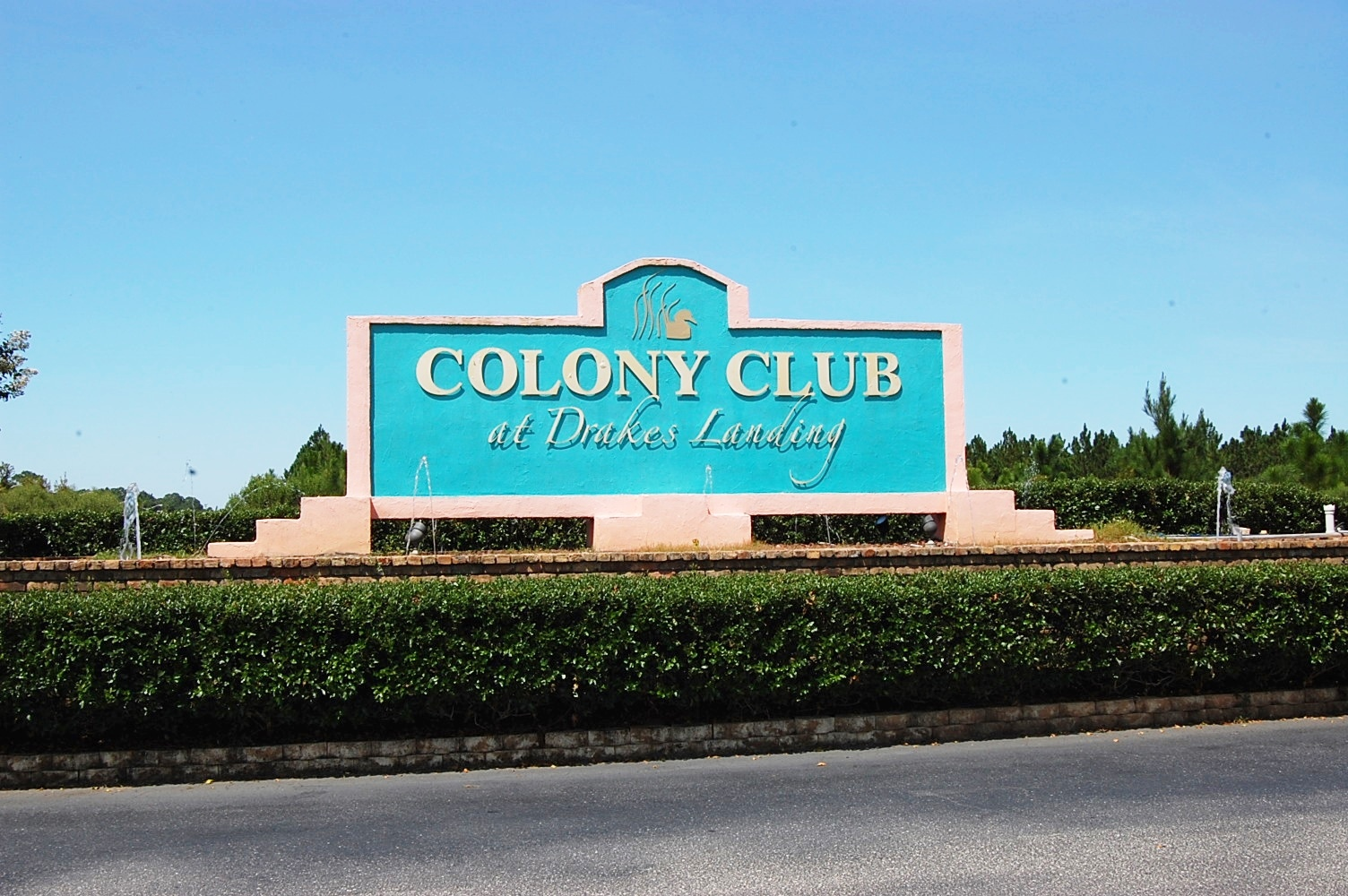 Colony Club U7