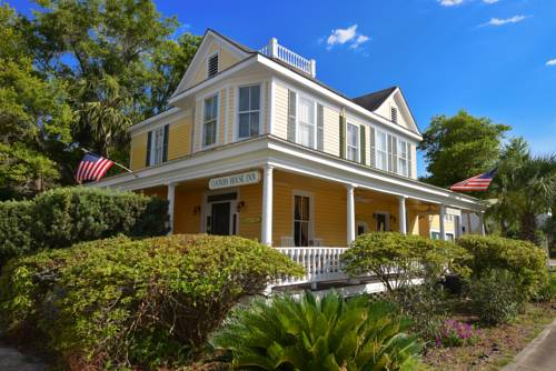 Coombs Inn and Suites in Apalachicola FL 33