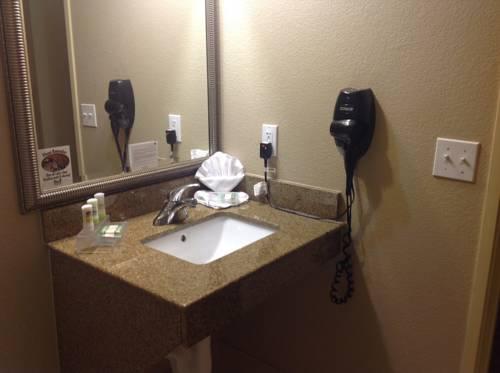 Country Inn & Suites By Carlson Bradenton At I-75 Fl in Bradenton FL 57