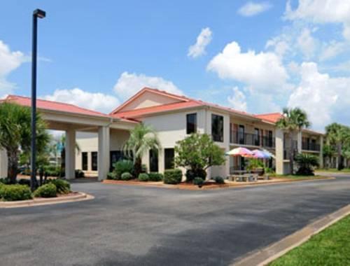 Days Inn & Suites Navarre Conference Center in Navarre FL 67