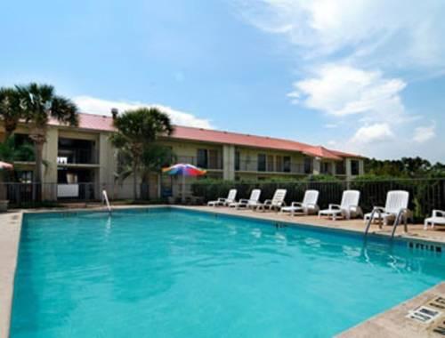 Days Inn & Suites Navarre Conference Center in Navarre FL 68