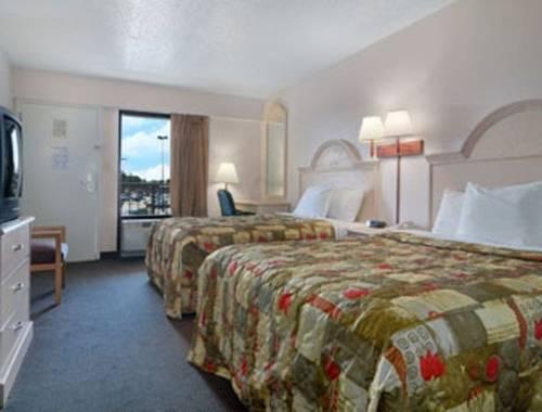 Days Inn & Suites Navarre Conference Center in Navarre FL 57