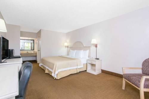 Days Inn & Suites Navarre Conference Center in Navarre FL 26
