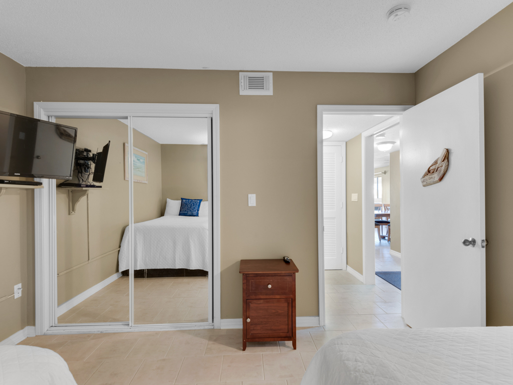 Destin Towers 1C Condo rental in Destin Towers Condo Rentals ~ Destin Vacation Rentals by BeachGuide in Destin Florida - #23