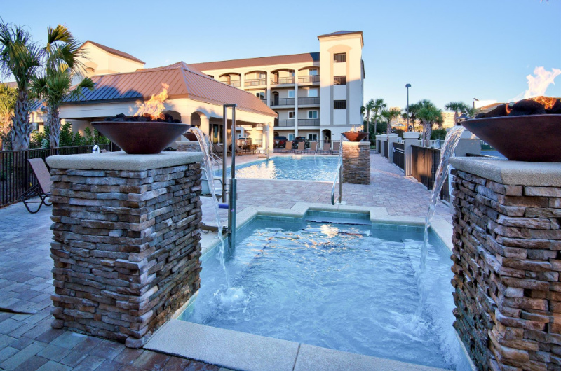 Alerio Condos Miramar Beach - https://www.beachguide.com/destin-vacation-rentals-alerio-condos-hot-tub-1952-0-20213-5131.jpg?width=185&height=185