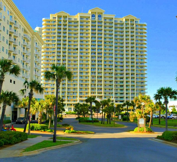 One of two buildings at Ariel Dunes in Destin Florida.