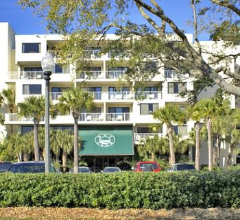 Bay Club of Sandestin - https://www.beachguide.com/destin-vacation-rentals-bay-club-of-sandestin-8366615.jpg?width=185&height=185
