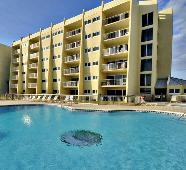 Swimming pool at the Beach House Resort Condominiums in Destin Florida.
