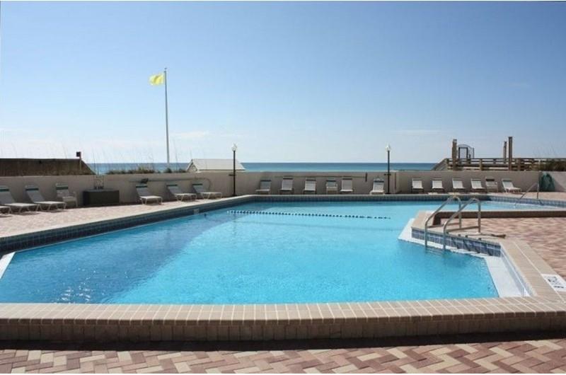 Huge pool at Beachside Tower in Destin Fl