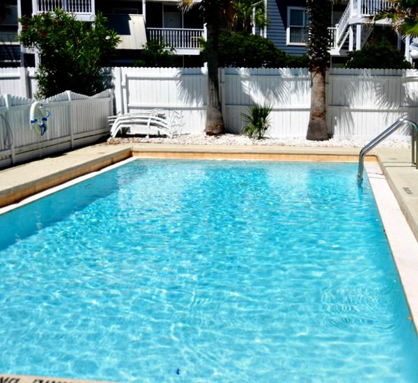 Costa Vista  - https://www.beachguide.com/destin-vacation-rentals-costa-vista-pool-1524-0-20155-4591.jpg?width=185&height=185