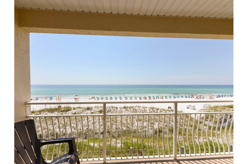 Soak in the view of the Gulf from Crystal Sands Condominiums in Destin Florida