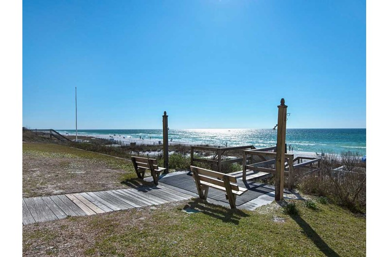 Easy access to the beach and Gulf from Crystal Villas in Destin Florida