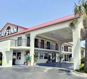 Check in at the Days Inn Destin in Destin Florida