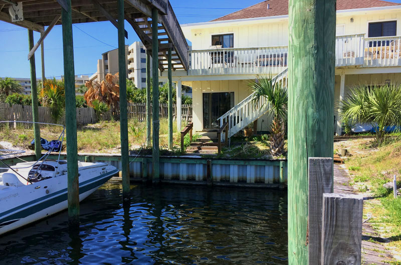 Destin Boat Slip Rentals - https://www.beachguide.com/destin-vacation-rentals-destin-boat-slip-rentals-8770763.jpg?width=185&height=185