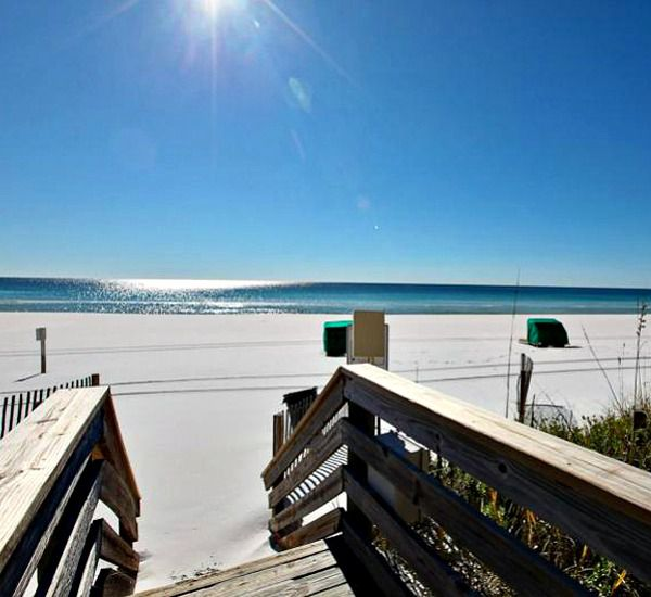 The walkover leading to the beach at Emerald Towers  in Destin Florida