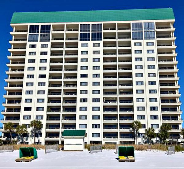 Emerald Towers is right on the beach in Destin Florida