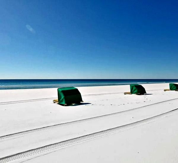 Beach services offered at Emerald Towers  in Destin Florida