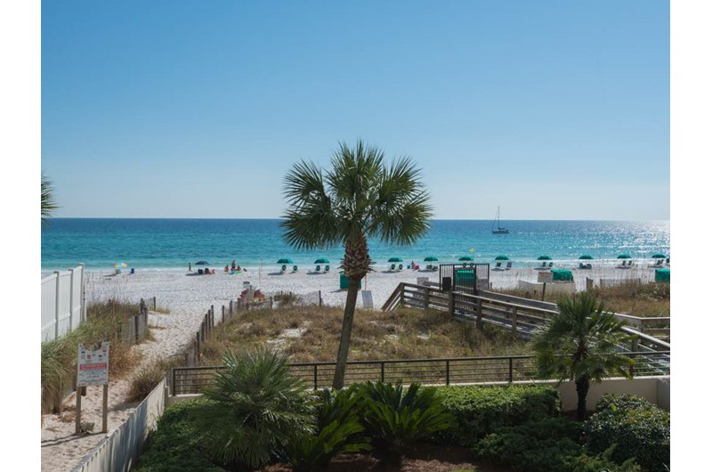 Easy access to the beach from Emerald Towers in Destin Florida