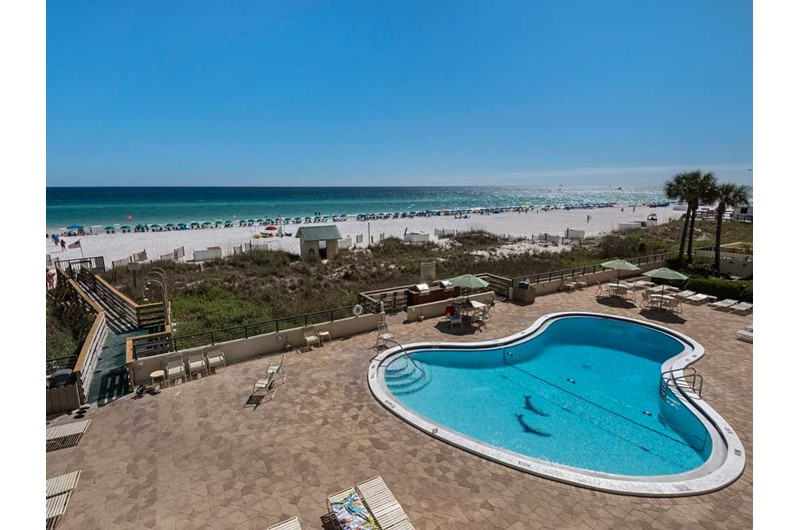 The pool is right on the Gulf at Emerald Towers in Destin Florida