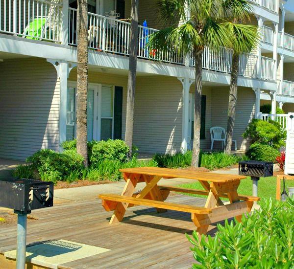 Enjoy a family cook-out and picnic at Grand Caribbean Condo Rentals in Destin Florida