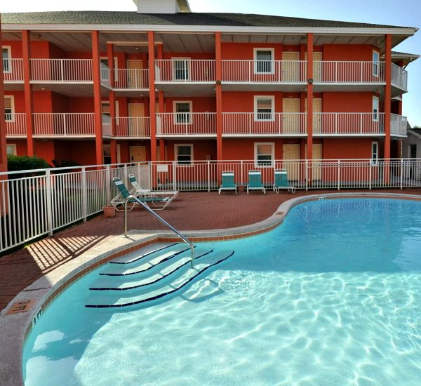 Pool and patio area at Gulfview I & II Condominiums in Destin Florida