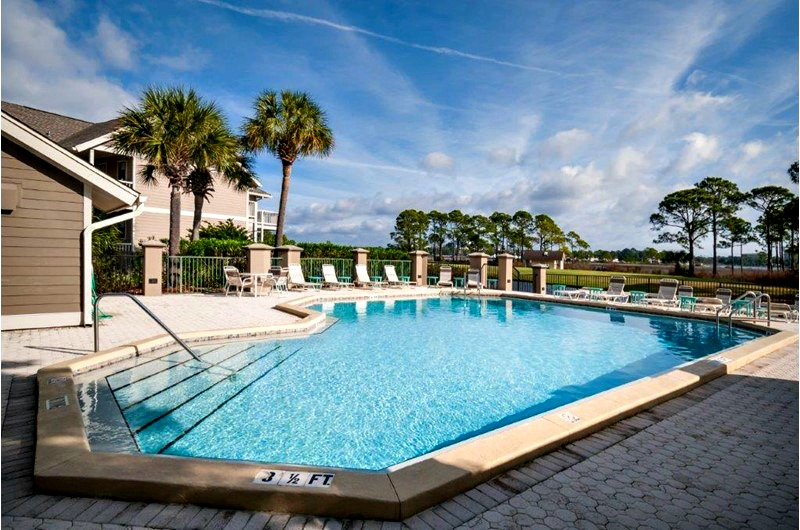 The pool at Harbour Point at Sandestin in Destin FL