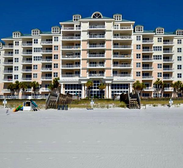 The Exterior Of Inn At Crystal Beach In Destin Florida
