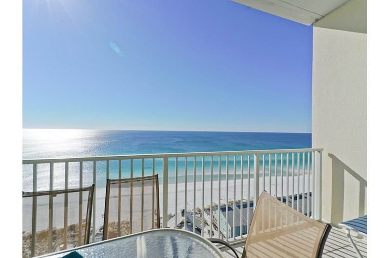 Relax on your balcony while enjoying the Gulf at Leeward Key Condominiums in Destin Florida