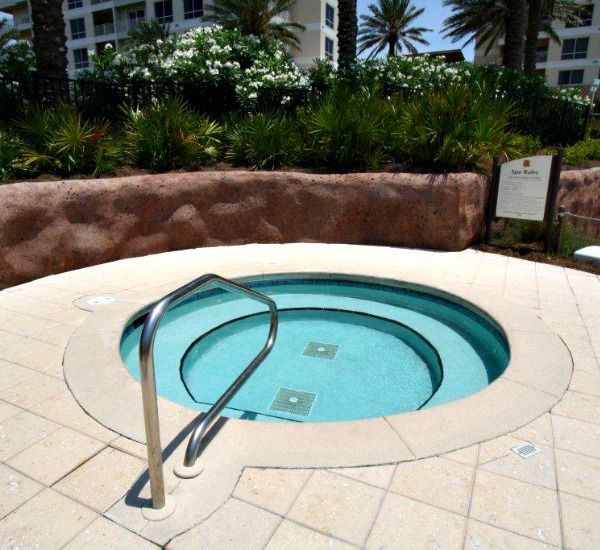 Hot tub by the pool at the Luau  in Destin Florida
