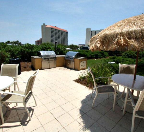 Grilling area and patio at the Luau  in Destin Florida