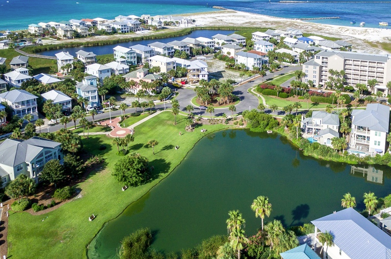 Magnolia House - https://www.beachguide.com/destin-vacation-rentals-magnolia-house--1583-0-20216-4881.jpg?width=185&height=185