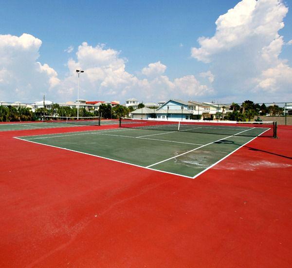 Lighted tennis courts at Mainsail Condominiums   in Destin Florida