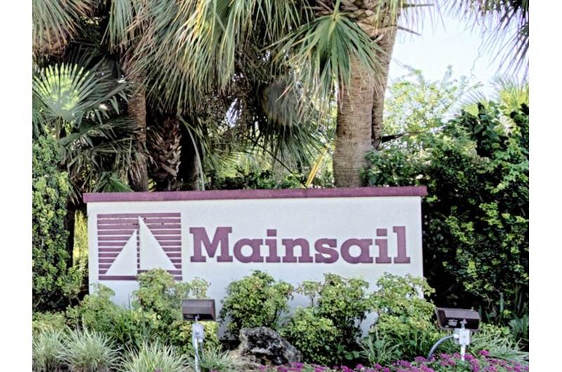 Outside sign at Mainsail in Destin Florida