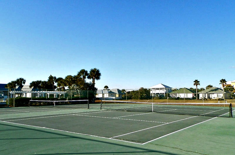 Tennis courts at Maravilla in Destin FL
